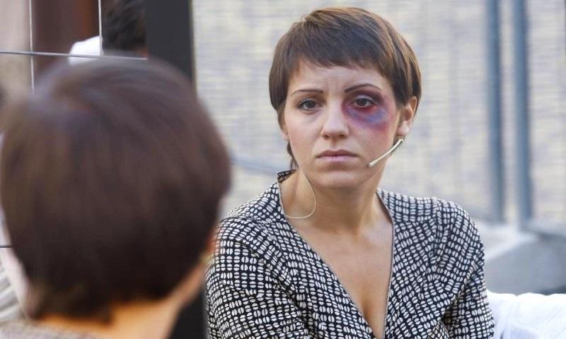 رپورٹ کے مطابق یورپ میں گھریلو تشدد میں اضافہ دیکھا جا رہا ہے — فوٹو: رائٹرز