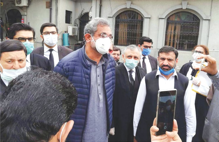 ISLAMABAD: Former prime minister Shahid Khaqan Abbasi talking to media during his appearance at the Islamabad High Court.—Online