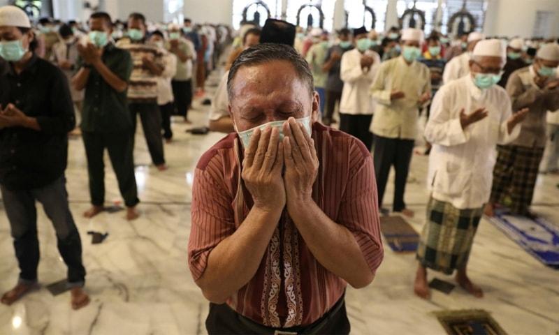انڈونیشیا میں اموات کی شرح 9.1 فیصد تک پہنچ گئی—فائل فوٹو: اے پی