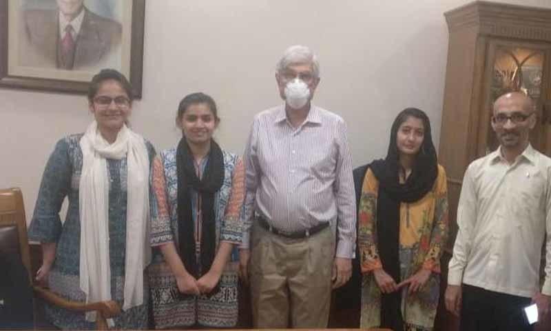 تحقیقی ٹیم میں ڈاکٹرنصرت جبیں، فوزیہ رضا، ثانیہ شبیر، عائشہ اشرف بیگ، انوشہ امان اللہ اور بسمہ عزیز شامل تھے—تصویر: امتیاز علی