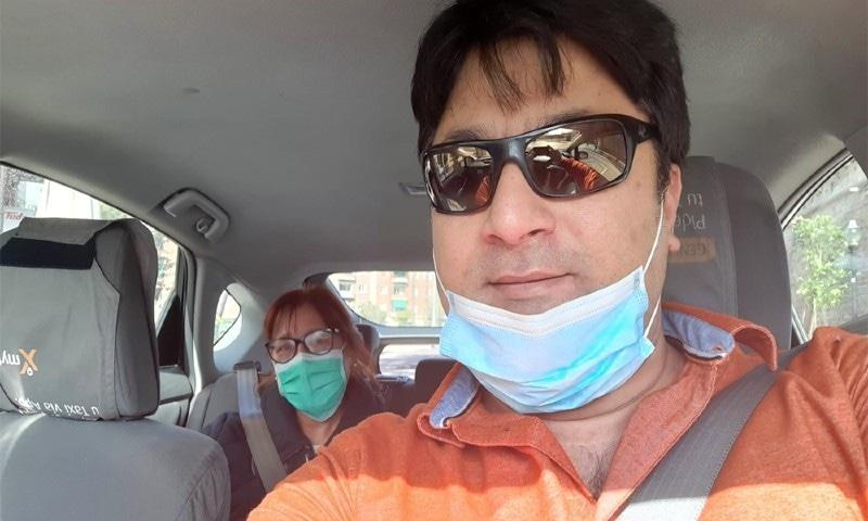 پاکستانی ٹیکسی ڈرائیور کس طرح اسپین کے ڈاکٹروں کی مدد کررہے ہیں؟
