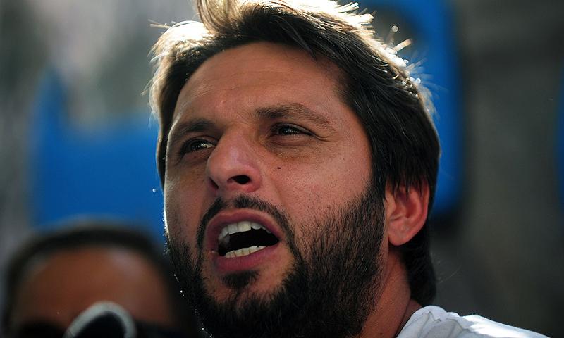 شاہد آفریدی نے وزیراعظم سے ڈپارٹمنٹل کرکٹ کی بحالی بھی درخواست کی— فائل فوٹو: اے ایف پی