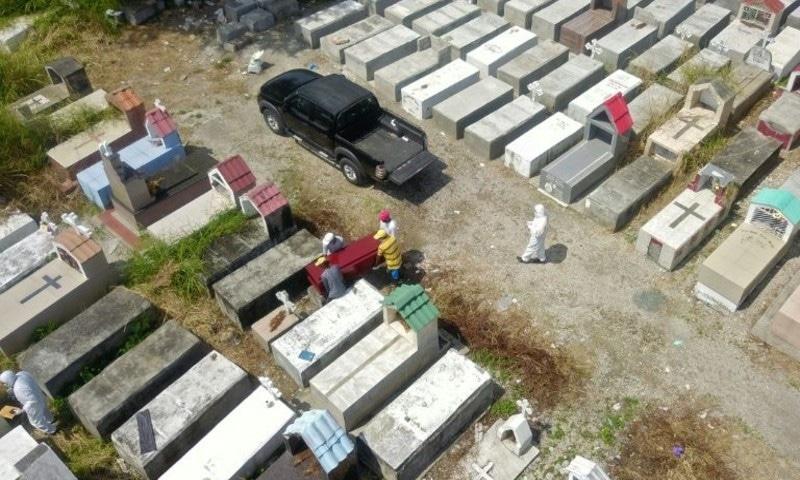 کورونا وائرس: ایکواڈور کے شہر کی گلیوں و گھروں سے 800 لاشیں برآمد