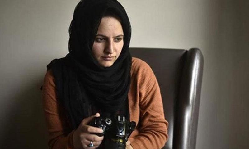 مسرت زہرا کو فیس بک پر تصاویر جاری کرنے پر مقدمے میں نامزد کردیا گیا—فوتؤ:بشکریہ الجزیرہ
