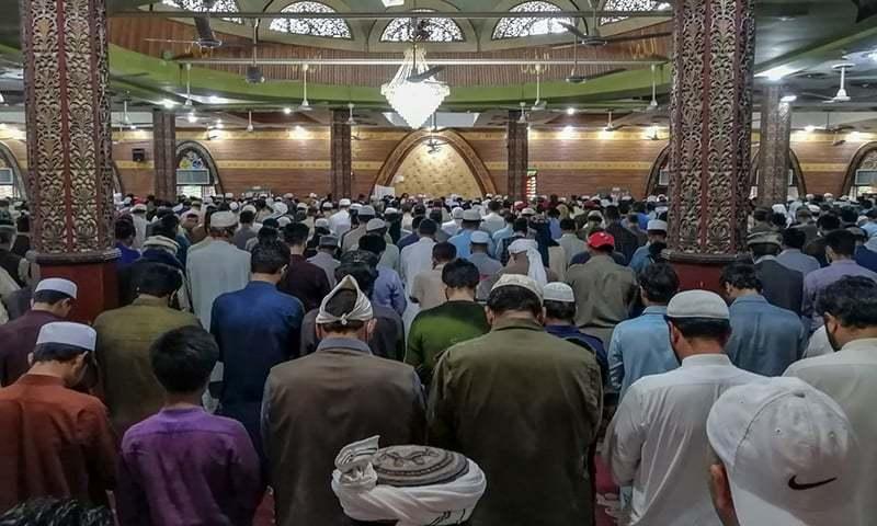 حکومت مساجد میں باجماعت نمازوں کے فیصلے پر غور کرے، ڈاکٹرز کا مطالبہ