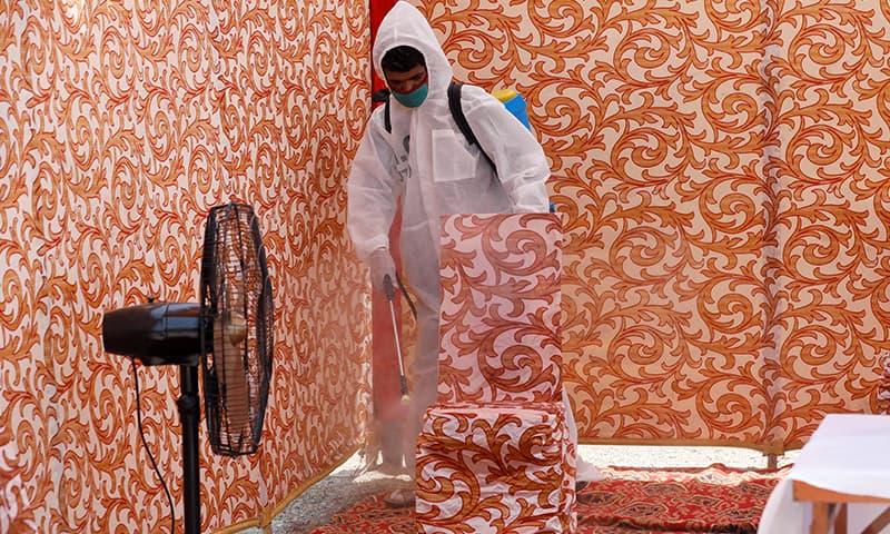 پاکستان میں کورونا وائرس کے کیسز میں اضافہ ہورہا ہے—فائل فوٹو: رائٹرز
