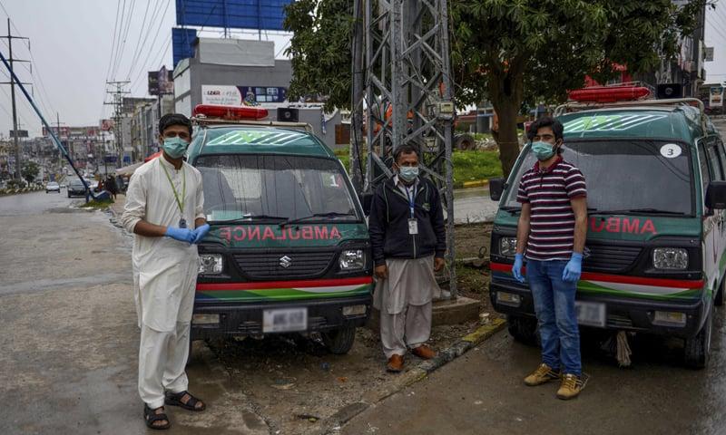 پاکستان میں صحتیاب افراد کی تعداد بھی بڑھ رہی ہے—فائل فوٹو: اے ایف پی