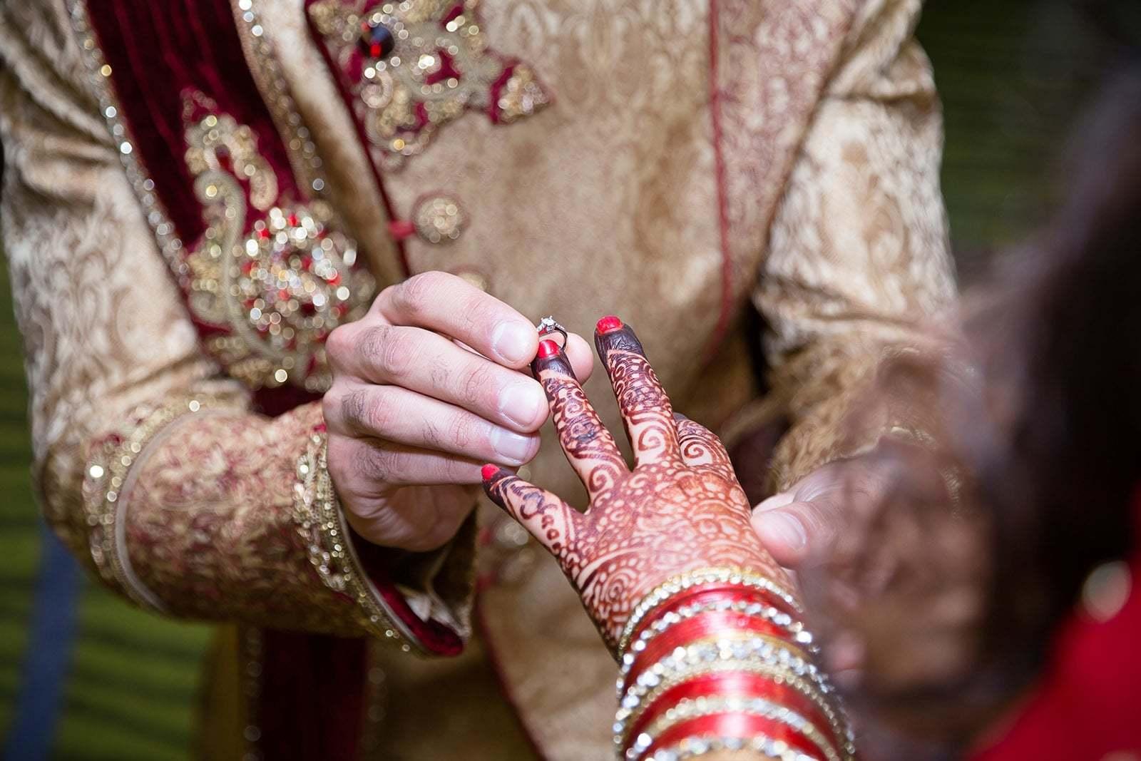 ' آج میری شادی ہوگئی ہے، جنید کا جنازہ اٹھوا کر آرہی ہوں'