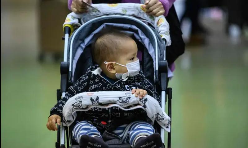 کیا بچے کورونا وائرس کو بالغ افراد میں منتقل کرسکتے ہیں؟