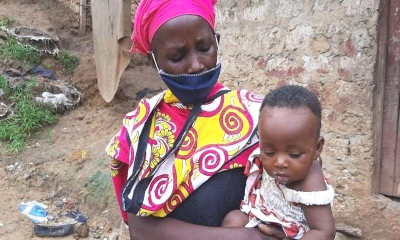 کینیا:غربت کے باعث ماں نے بھوکے بچوں کو سلانے کے لیے پتھر پکادیے