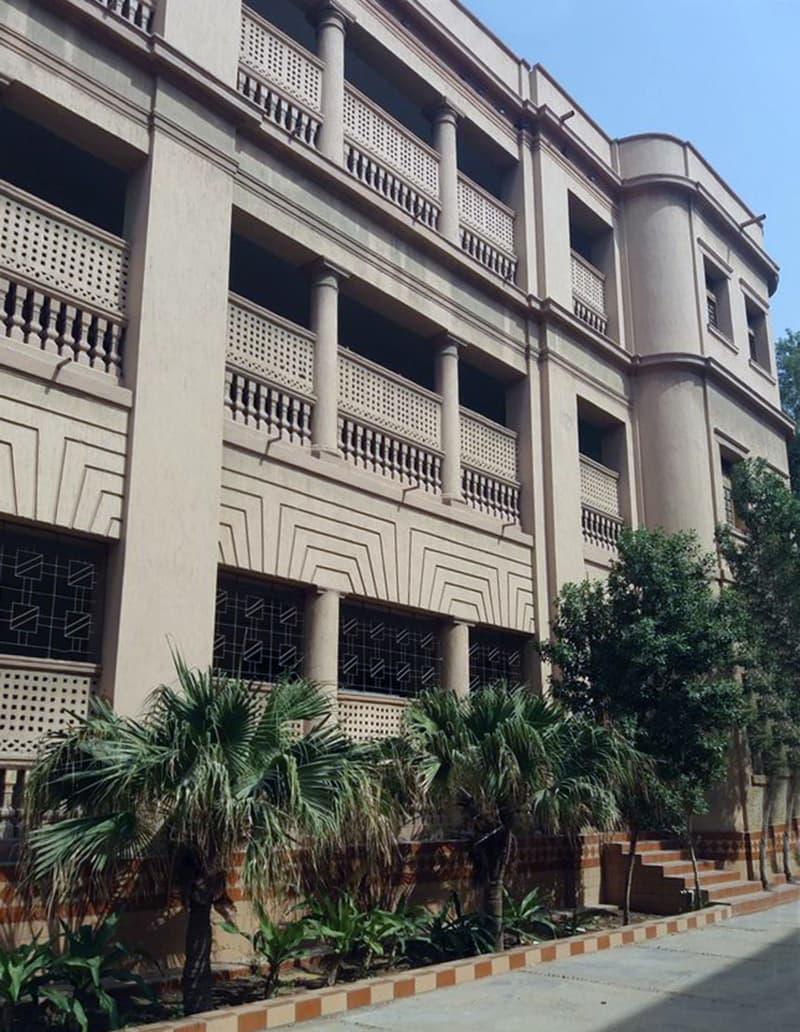 ویمن کالج نزد اردو بازار