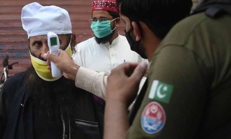 پاکستان میں ایک روز میں کورونا کے ریکارڈ 2 ہزار نئے کیسز، اموات 600 سے تجاوز کرگئیں