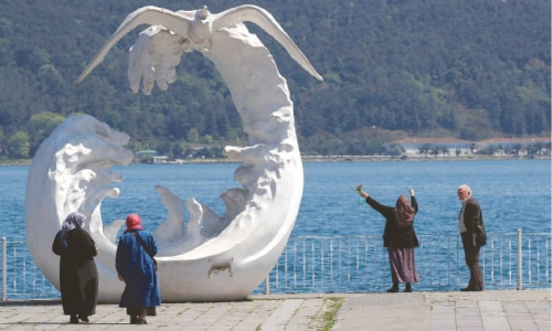 Over 65s in Turkey go outside for first time since March