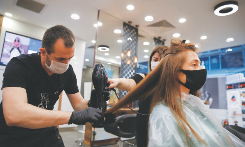 Malls, barber shops and beauty salons reopen across Turkey - Newspaper -  DAWN.COM