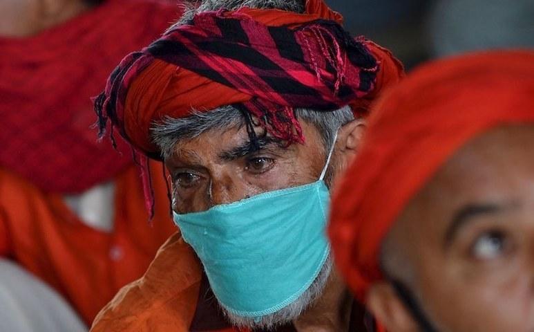 کورونا وائرس: پاکستان میں متاثرین کی تعداد 43 ہزار سے متجاوز، اموات 924 ہوگئیں