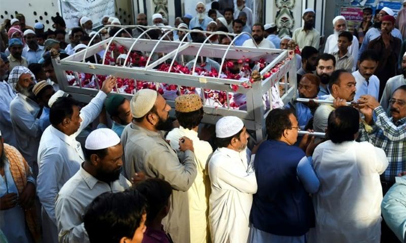 سندھ: کورونا سے مرنے والے شخص کی اہلخانہ خود تدفین کرسکیں گے، نئے ایس او پیز جاری