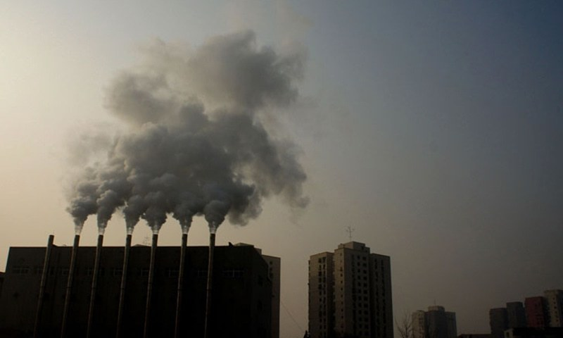 World carbon pollution falls 17% during pandemic peak