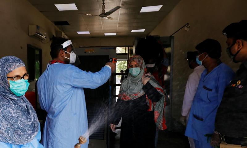 کورونا وبا: سندھ میں ایک روز میں ریکارڈ 20 اموات، ملک میں متاثرین 49 ہزار سے زائد