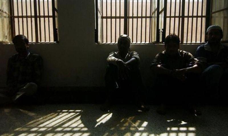 21 مئی تک پاکستان میں مجموعی طور پر 384 قیدیوں میں وائرس کی تصدیق ہوئی—فائل فوٹو: اے ایف پی