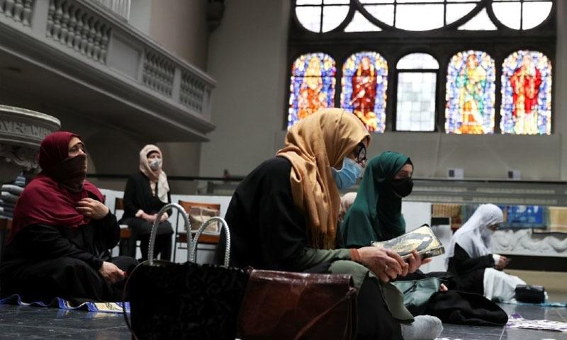 جرمنی: مسجد میں جگہ کی کمی پر نمازیوں کیلئے گرجا گھر کے دروازے کھول دیے گئے