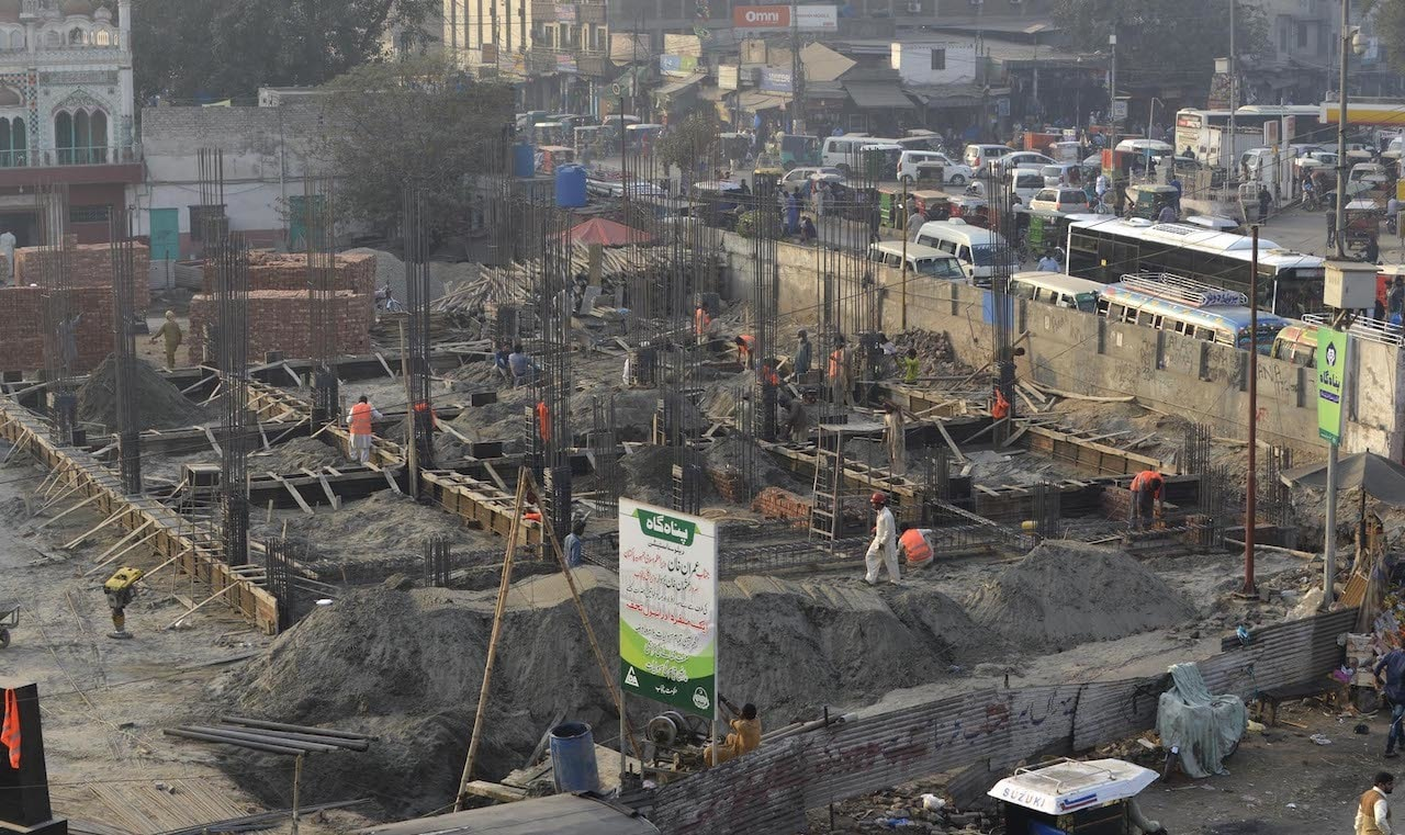 An under-construction building near Lahore Railway Station | Arif Ali/White Star