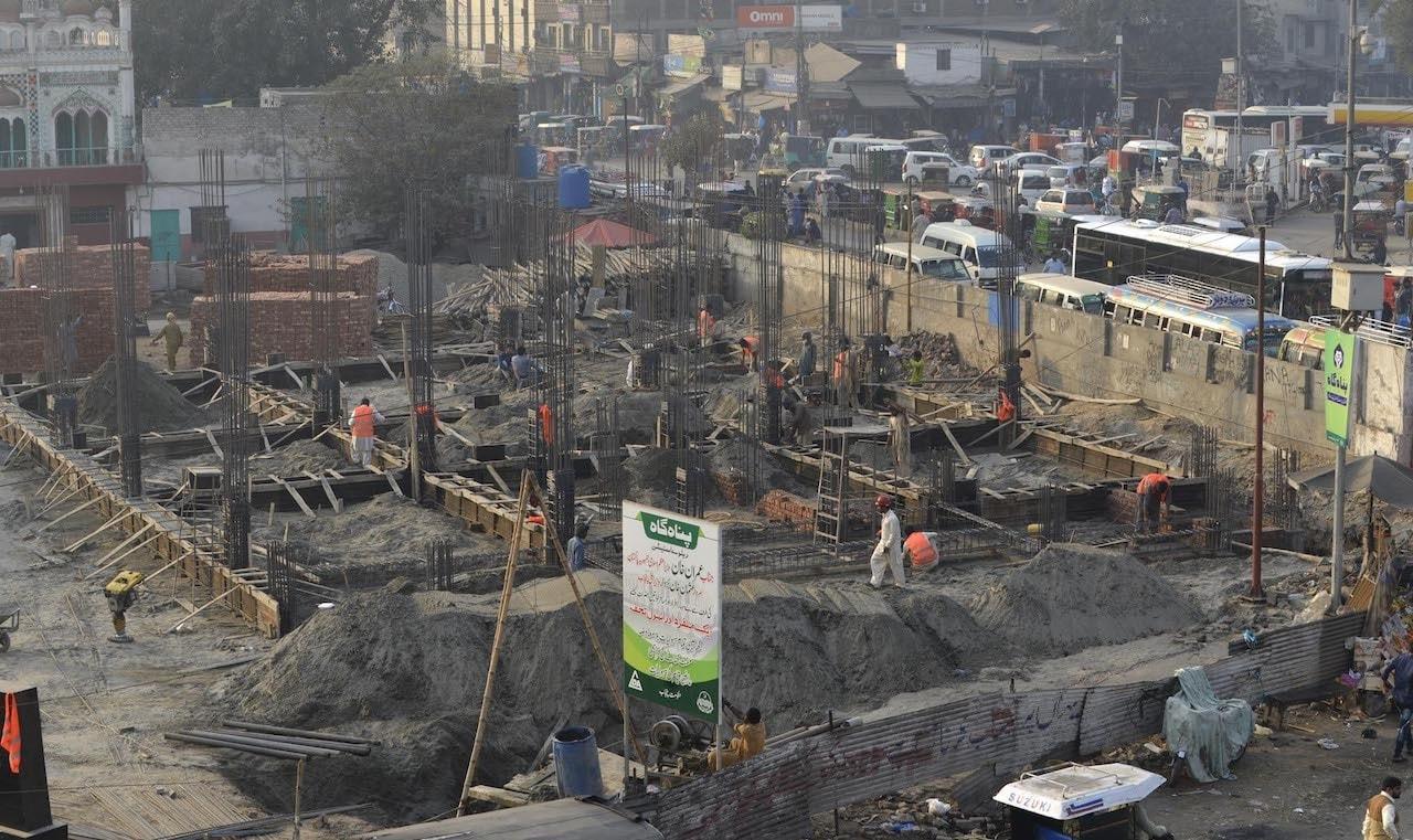 An under-construction building near Lahore Railway Station   Arif Ali/White Star