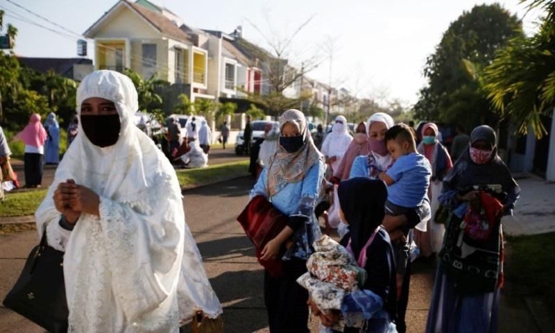 وبا کے باعث دنیا بھر میں عیدالفطر  کے رنگ پھیکے