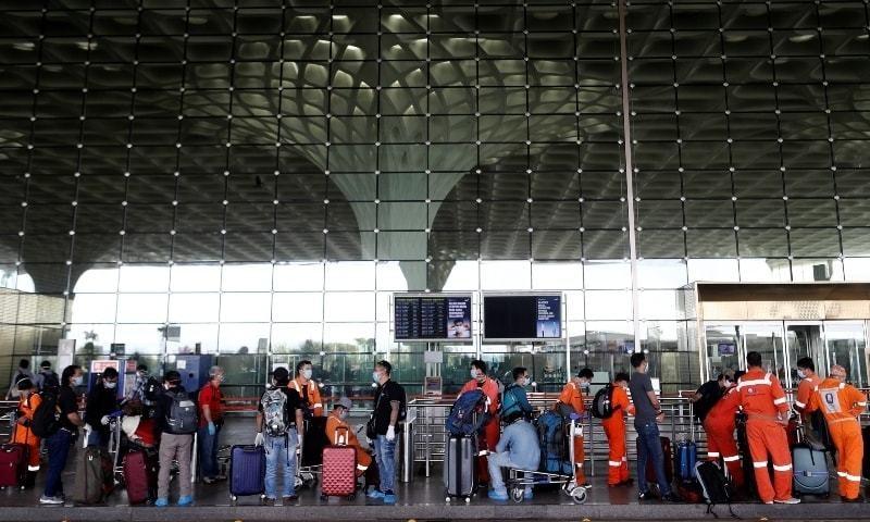 بھارت میں کورونا کیسز میں ریکارڈ اضافہ، دنیا کے 10 بدترین متاثرہ ممالک میں شامل