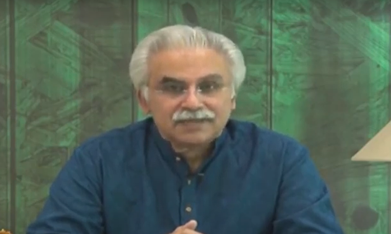 Special Assistant to the Prime Minister on Health Dr Zafar Mirza addressing a media briefing on Monday. — DawnNewsTV
