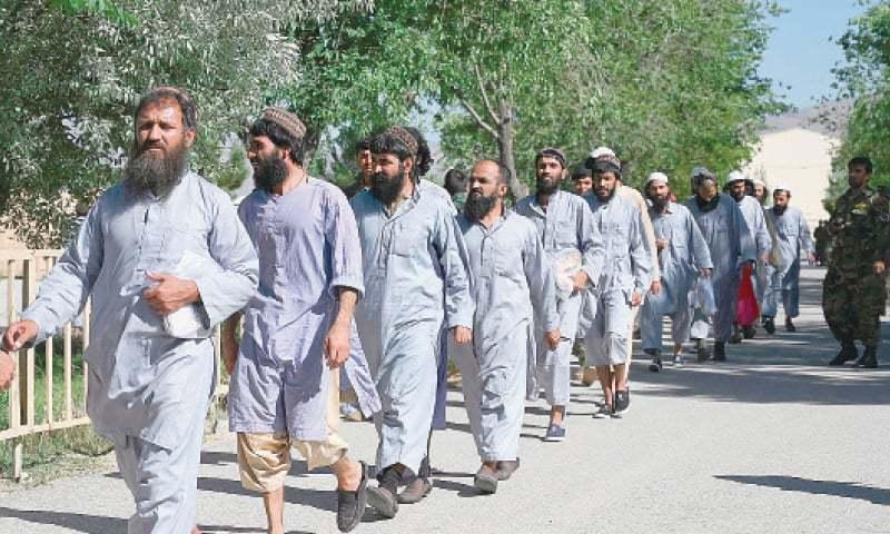 رہائی پانے والے ایک قیدی نے امریکا، طالبان معاہدے پر خوشی کا اظہار کیا اور کہا کہ وہ مستقل جنگ بندی چاہتے ہیں۔ فوٹو:اے ایف پی