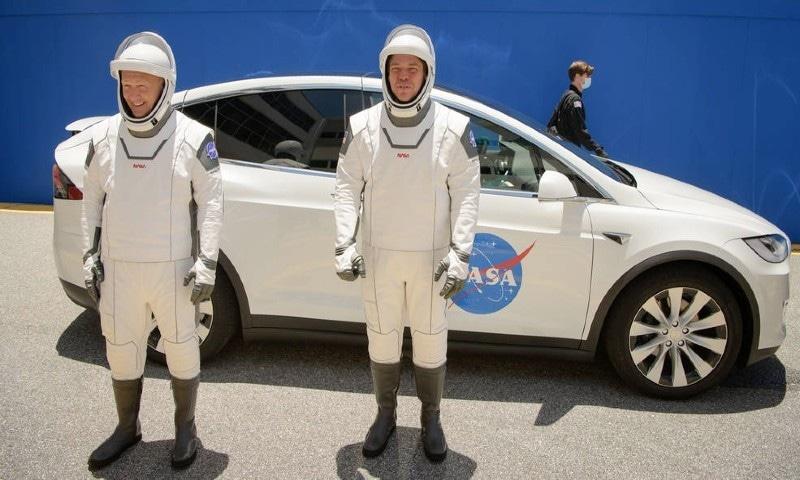 دونوں خلانورد پہلے بھی خلائی اسٹیشن جا چکے ہیں—فوٹو: ناسا