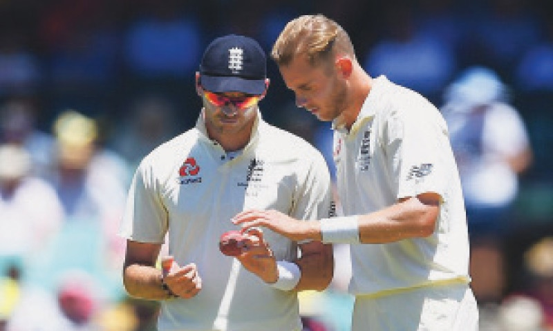 The English players also have a fair share of ball-tampering history but, in the years gone by, they may have focused more on the shine than scuffi ng up the ball