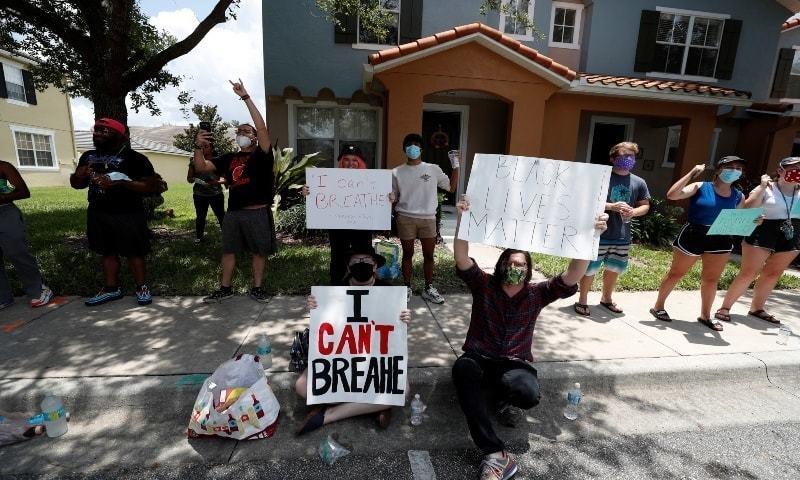 نیویارک، ہیوسٹن، واشنگٹن ڈی سی کے علاوہ درجنوں شہروں میں احتجاج کیا گیا—فوٹو:اے ایف پی