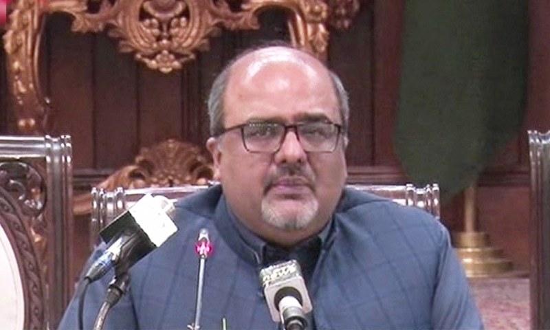 انہوں نے کہا کہ کمیشن کی رپورٹ میں شہباز شریف کے کارناموں کا تفصیل سے تذکرہ موجود ہے—فوٹو: ڈان نیوز