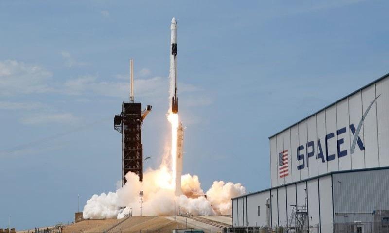 ایک دہائی بعد خلائی سفر کے لیے امریکی سر زمین استعمال ہوئی—فوٹو: ناسا