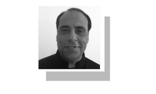 لکھاری سندھ کے سابق وزیرِ خزانہ ہیں۔