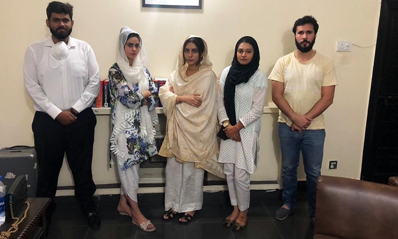 Actor Uzma Khan (C) pictured with lawyers Hassaan Niazi and Khadija Siddiqi on her right, who have now dissociated themselves from the case. — Photo: Uzma Khan Twitter