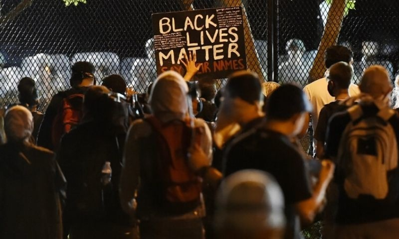 More large protests in United States  but violence falls — George Floyd death