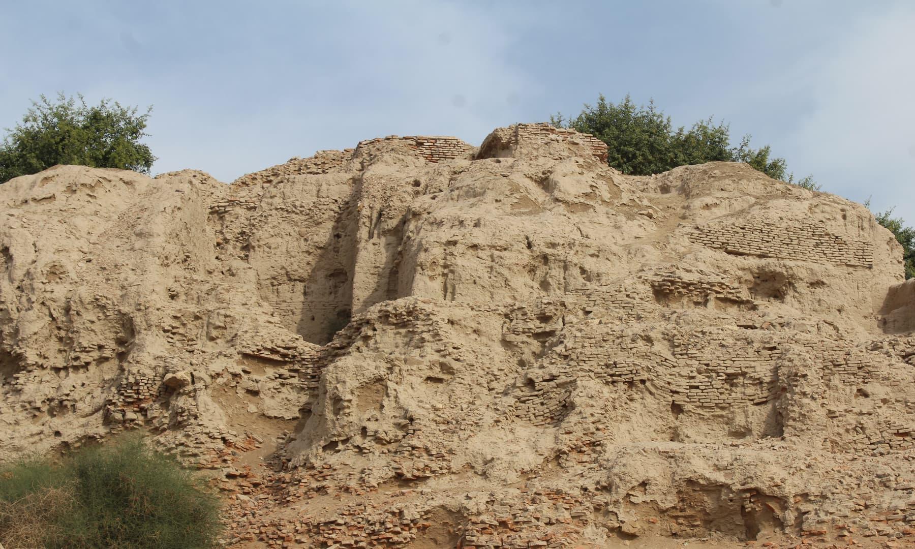 قلعہ سیہون کے آثار