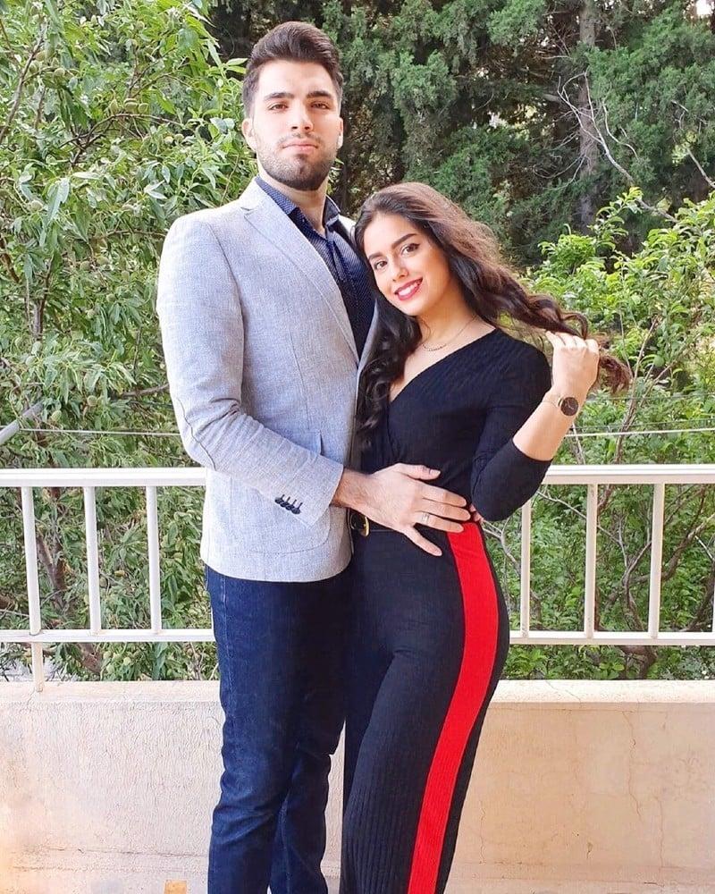 لبنانی لڑکی کے مطابق ان کے منگیتر بھی اقرا عزیز کو دیکھ کر حیران رہ گئے—فوٹو: انسٹاگرام