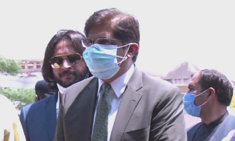 نیب نے وزیر اعلی سندھ مراد علی شاہ کو  روشن  سندھ پروگرام کیس میں پوچھ گچھ کے لیے طلب کیا تھا—فوٹو: ڈان نیوز