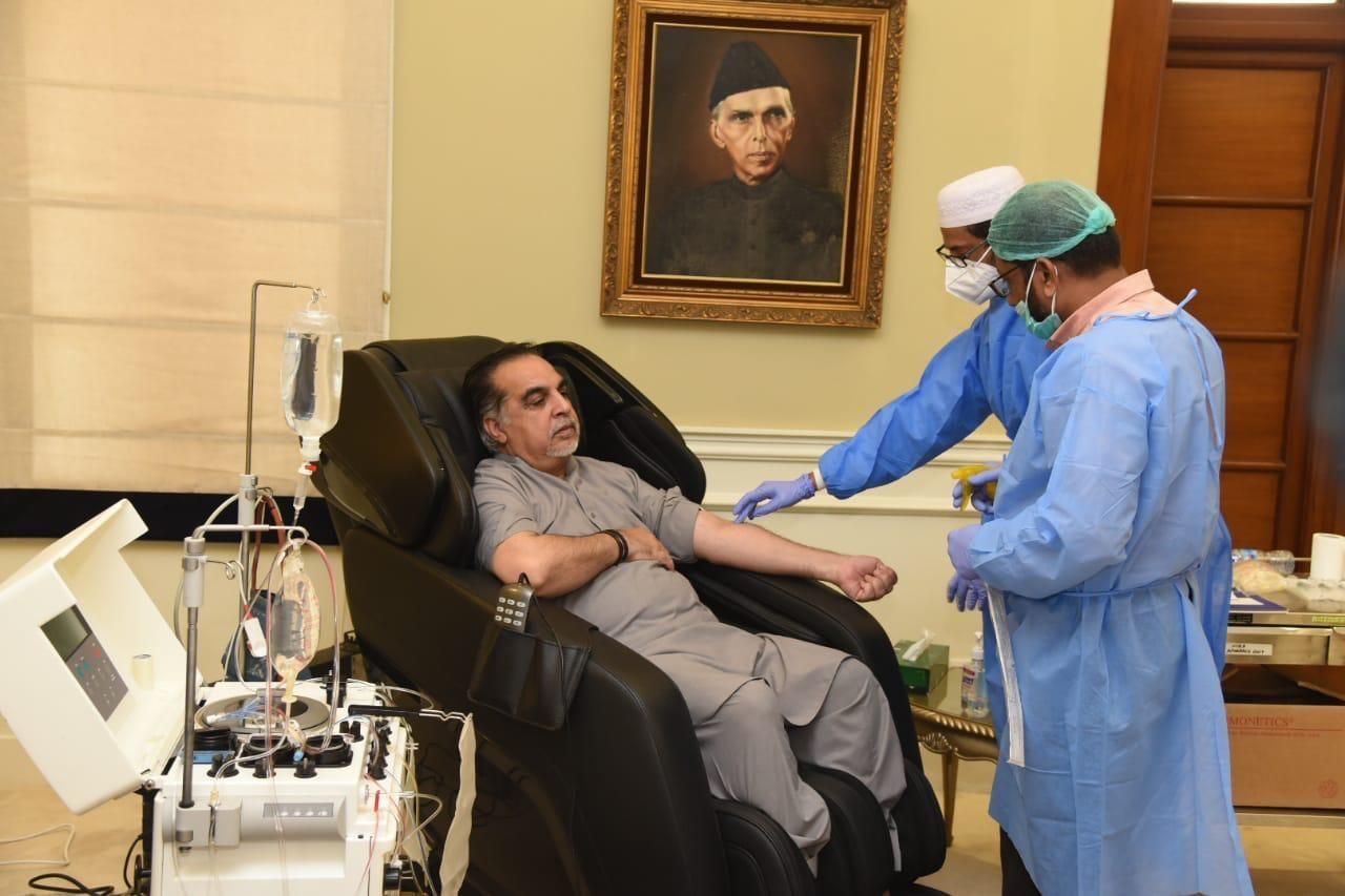 SIndh Governor Imran Ismail donates plasma. — Photo courtesy Imtiaz Mugheri
