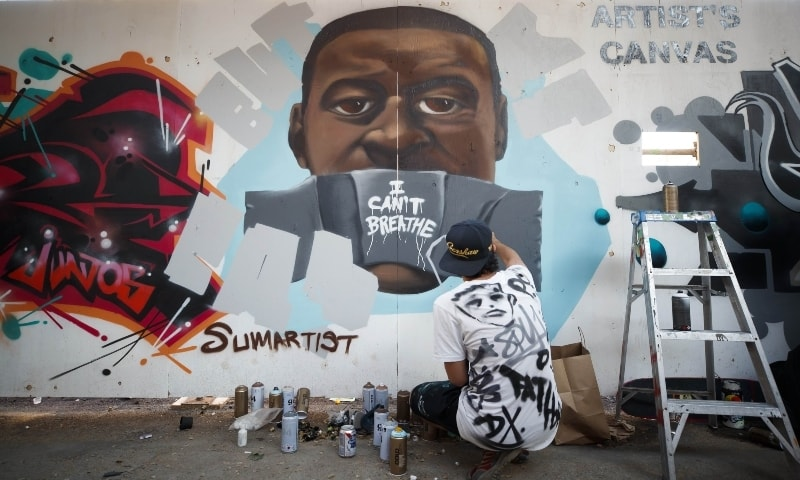 Washington paints 'Black Lives Matter' mural near White House