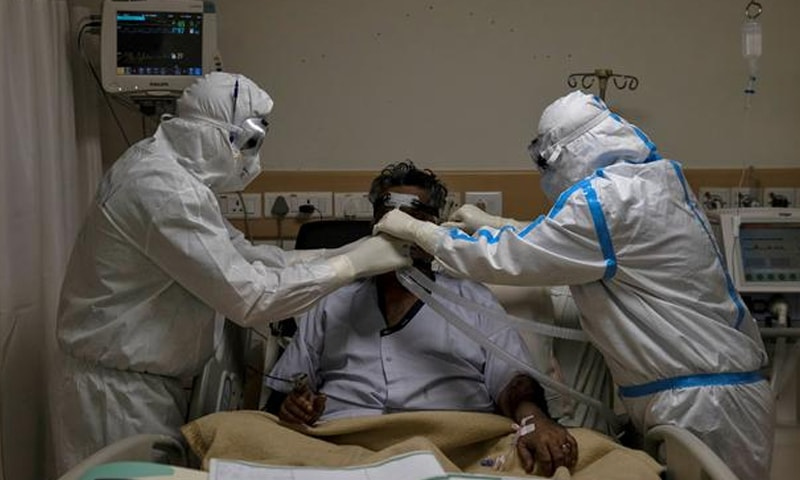 پاکستان میں کورونا وائرس کی صورتحال تشویشناک ہورہی ہے—فائل فوٹو: رائٹرز