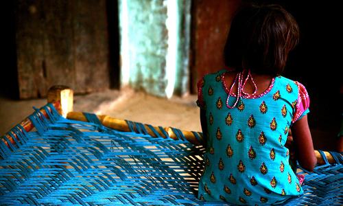 راولپنڈی: مالکان کے تشدد سے جاں بحق 8سالہ بچی کے والدین سے 'صلح ' کی کوشش