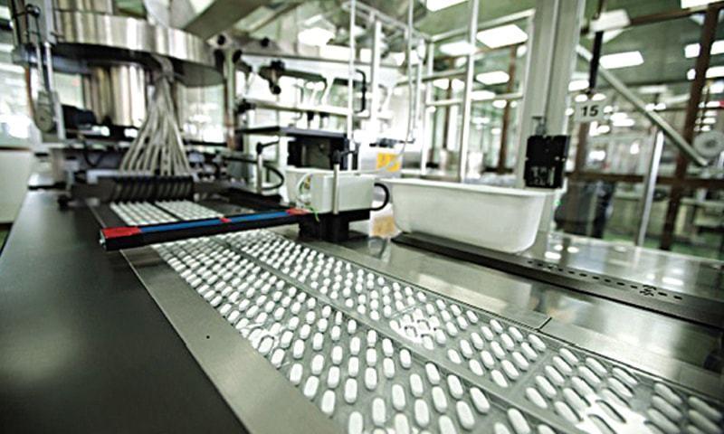 یہ بڑی صنعتیں مجموعی افرادی قوت کے 16.1 فیصد کو ملازمت کے مواقع فراہم کرتی ہے —فائل فوٹو: شٹر اسٹاک