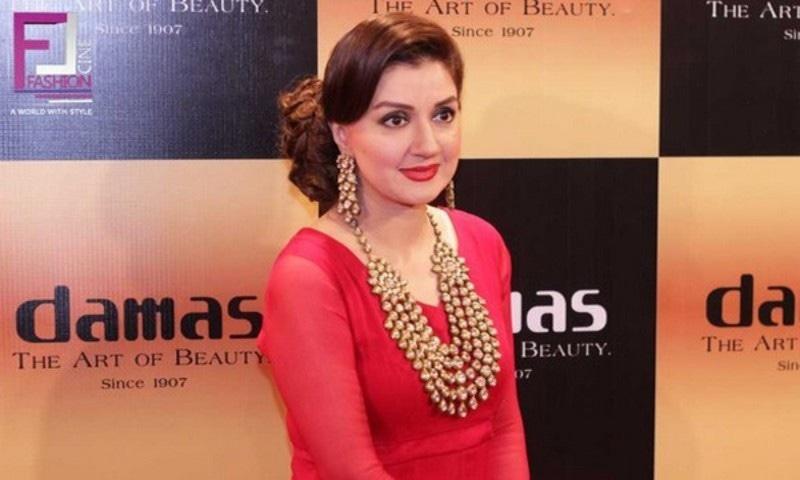 اداکارہ و ٹی وی میزبان عائشہ ثنا کے خلاف فراڈ کا مقدمہ؟