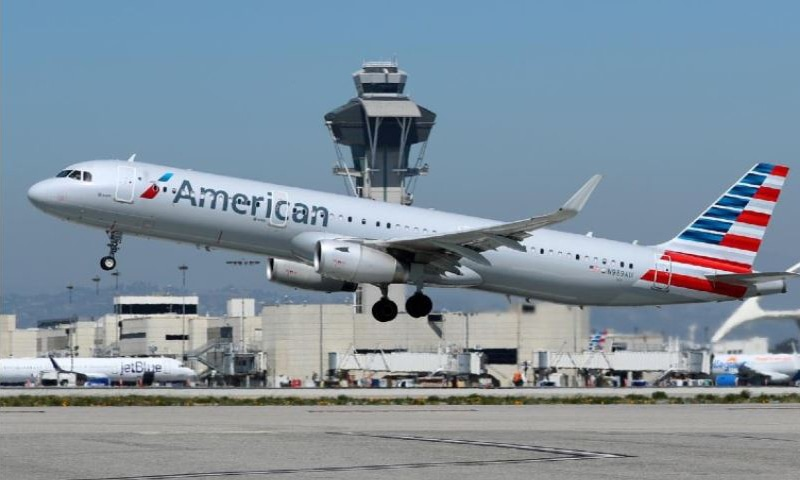 فیس ماسک پہننے سے انکار پر مسافر کو طیارے سے اتار دیا گیا
