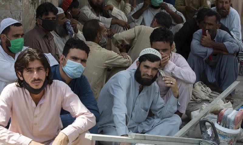 پاکستان میں کورونا وائرس کی صورتحال تشویشناک ہوتی جارہی ہے—فائل فوٹو: اے پی
