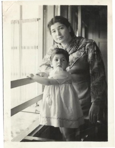 With her daughter Zarah as a child | Photo courtesy Zarah David